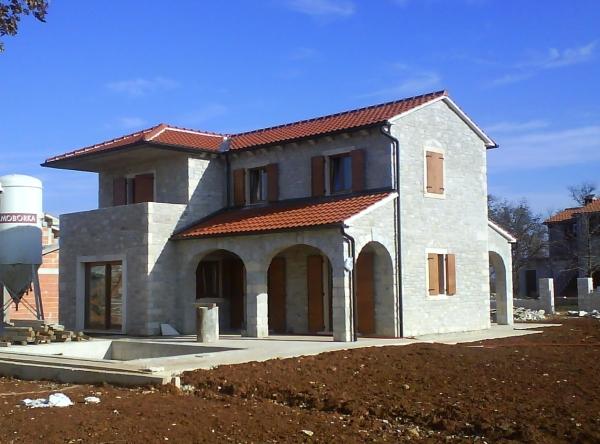 immobilien zum verkauf 3 schlafzimmer villen h user zum verkauf in barici istria kroatien. Black Bedroom Furniture Sets. Home Design Ideas